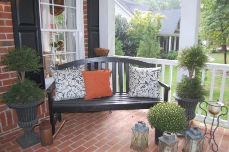 Fall Decor Home Tour | www.classictasselsandmore.com