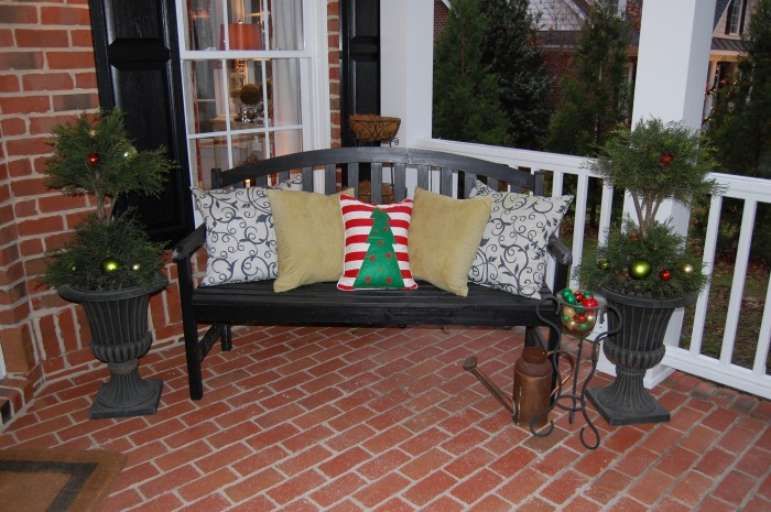 Porch1-Classic Tassels Christmas Home Tour