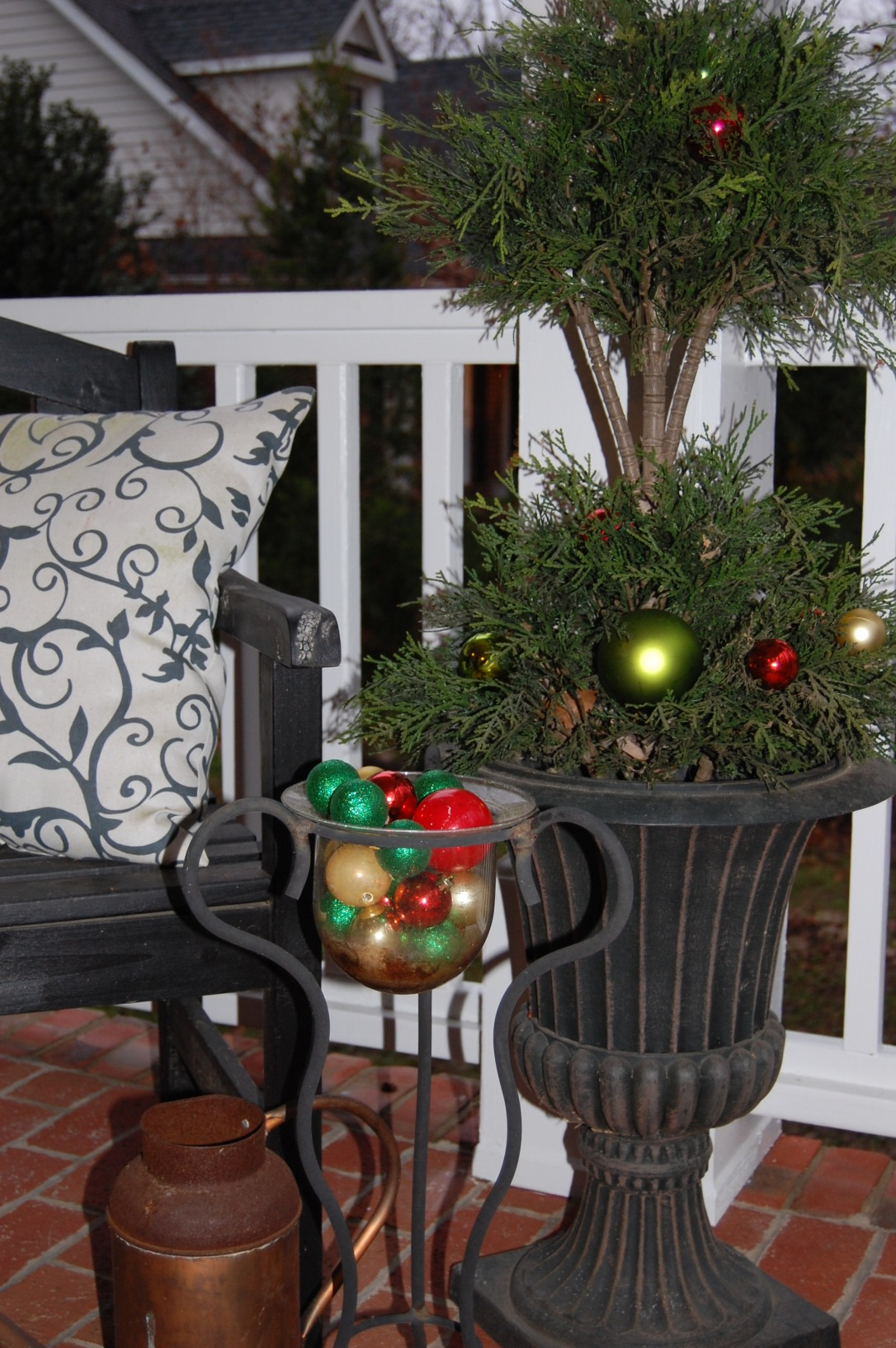 Porch2-Classic Tassels Christmas Home Tour