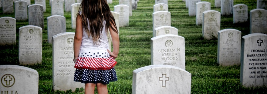 Five Ways to Honor the Fallen on Memorial Day | www.classictasselsandmore.com