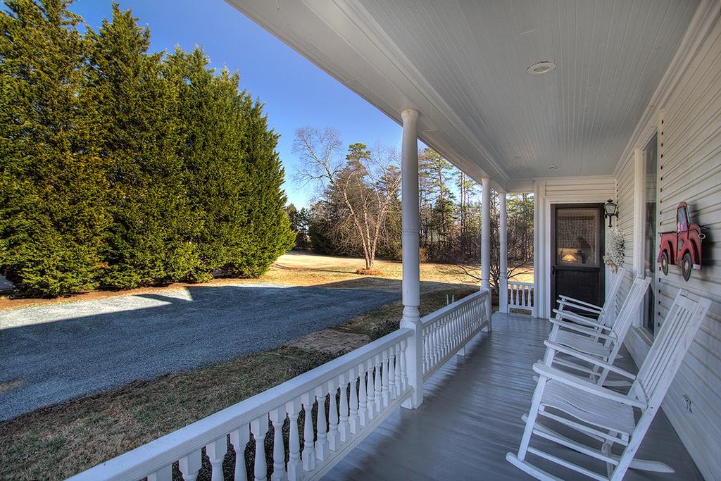 93Mint Hill - Porch