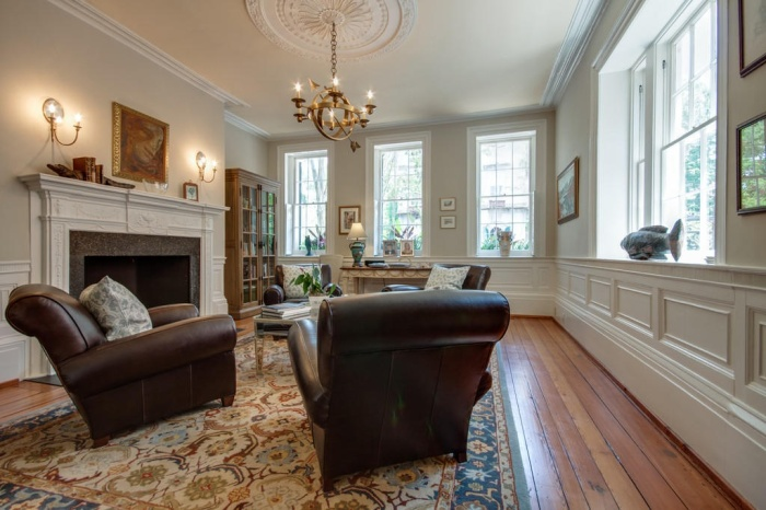 Home Tour: Post American Revolution Restoration in Charleston6 | classictasselsandmore.com