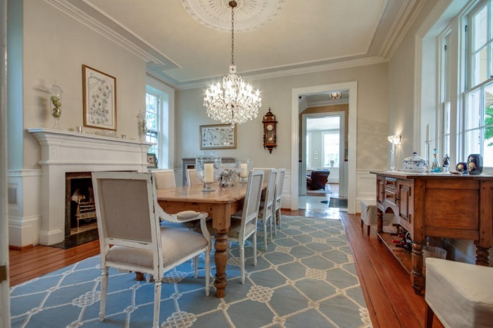Home Tour: Post American Revolution Restoration in Charleston8 | classictasselsandmore.com