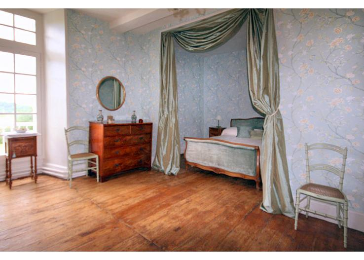 Home Tour: A 17th Century French Chateau 10 classictasselsandmore.com