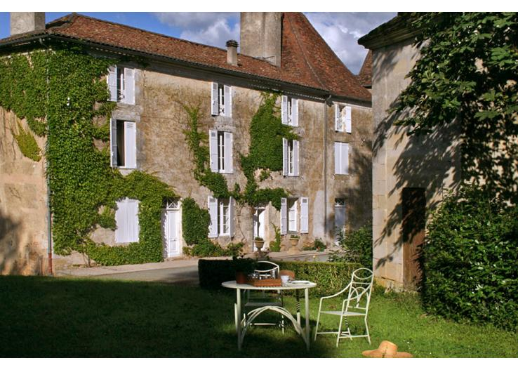 Home Tour: A 17th Century French Chateau 13 classictasselsandmore.com