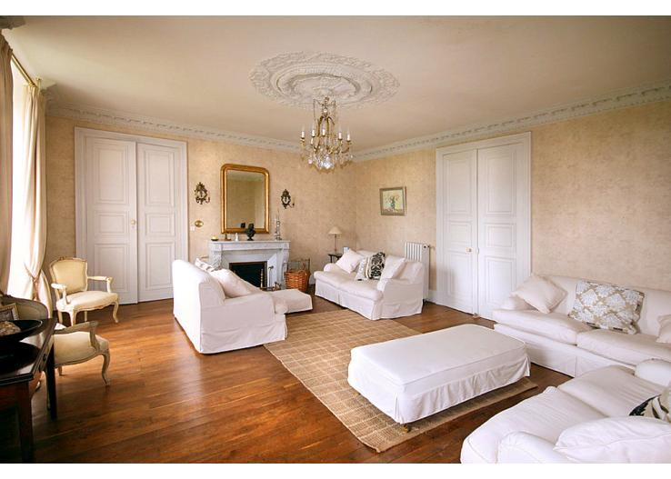 Home Tour: A 17th Century French Chateau 4 classictasselsandmore.com