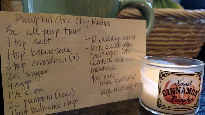 Pumpkin Chocolate Chip Muffins Recipe|classictasselsandmore.com