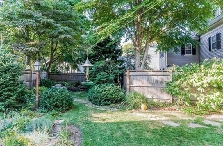 Home Tour: Walk Through All Hallows' Eve in this Historic Salem, MA Home19|classictasselsandmore.com