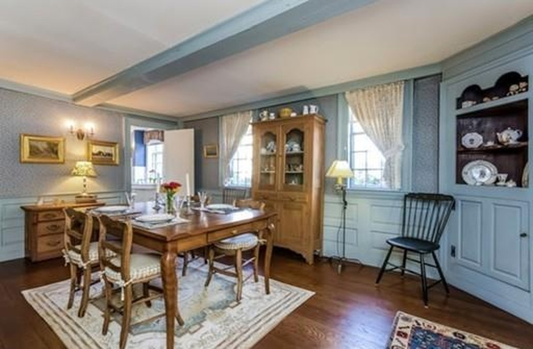 Home Tour: Walk Through All Hallows' Eve in this Historic Salem, MA Home2|classictasselsandmore.com
