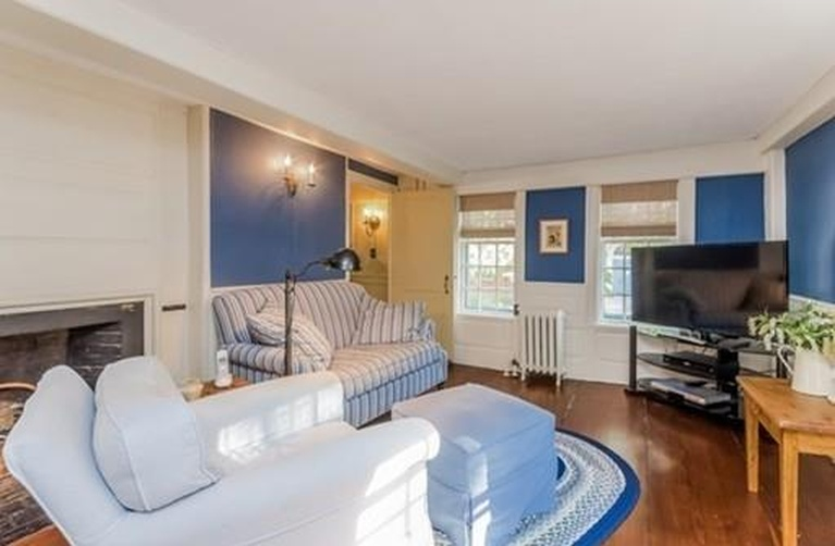 Home Tour: Walk Through All Hallows' Eve in this Historic Salem, MA Home16|classictasselsandmore.com