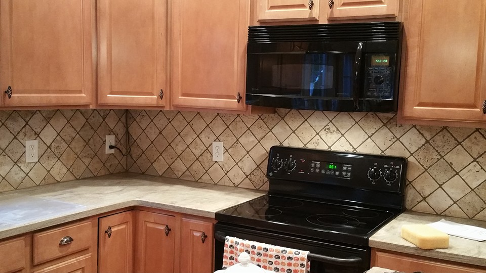 Before and After Pictures: A Kitchen Renovation Project|After5|classictasselsandmore.com