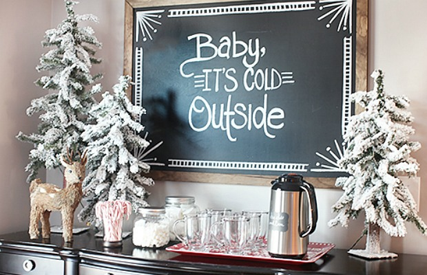 Christmas Decor for Small Spaces from Good Housekeeping|classictasselsandmore.com