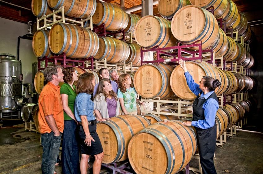 winery-tour-barrels__large - Biltmore