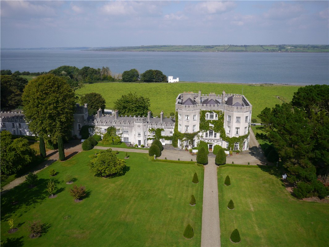 Home Tour: Glin Castle in County Limerick, Ireland3|classictasselsandmore.com