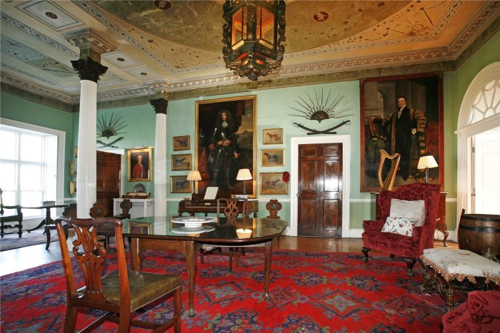 Home Tour: Glin Castle in County Limerick, Ireland10|classictasselsandmore.com