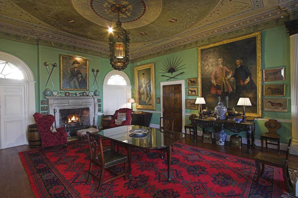 Home Tour: Glin Castle in County Limerick, Ireland11|classictasselsandmore.com