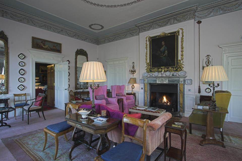 Home Tour: Glin Castle in County Limerick, Ireland12|classictasselsandmore.com