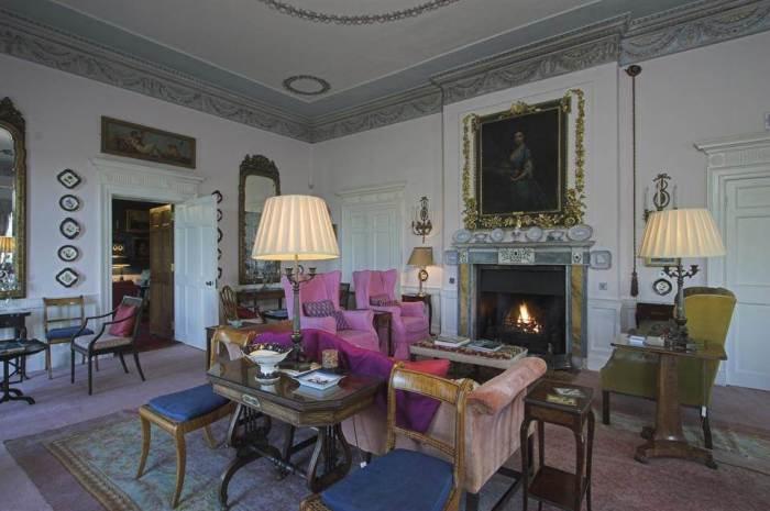 Home Tour: Glin Castle in County Limerick, Ireland12|classictasselsandmore.com