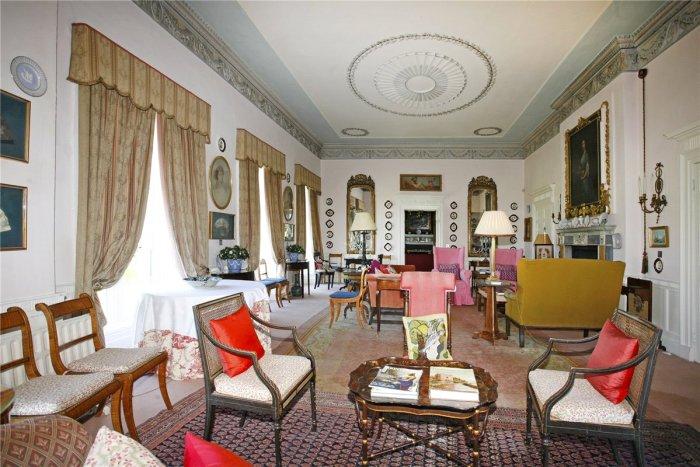 Home Tour: Glin Castle in County Limerick, Ireland13|classictasselsandmore.com