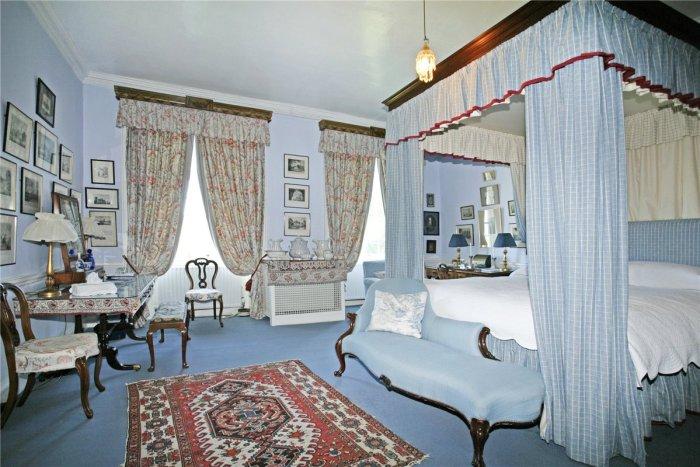 Home Tour: Glin Castle in County Limerick, Ireland16|classictasselsandmore.com