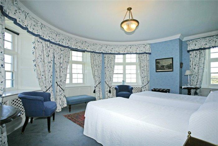 Home Tour: Glin Castle in County Limerick, Ireland17|classictasselsandmore.com