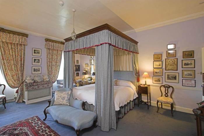 Home Tour: Glin Castle in County Limerick, Ireland18|classictasselsandmore.com
