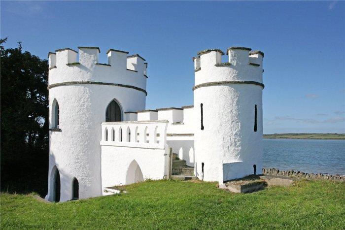 Home Tour: Glin Castle in County Limerick, Ireland20|classictasselsandmore.com
