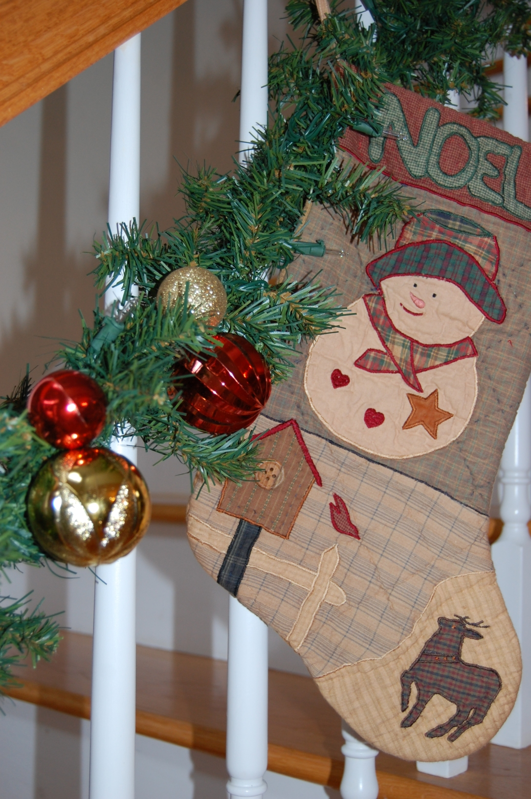 Decorating with Leftover Ornaments   www.classictasselsandmore.com