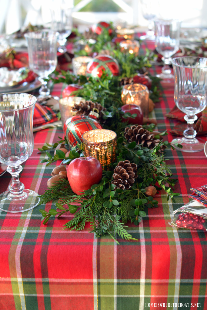 plaid-christmas-home-is-where-the-boat-is