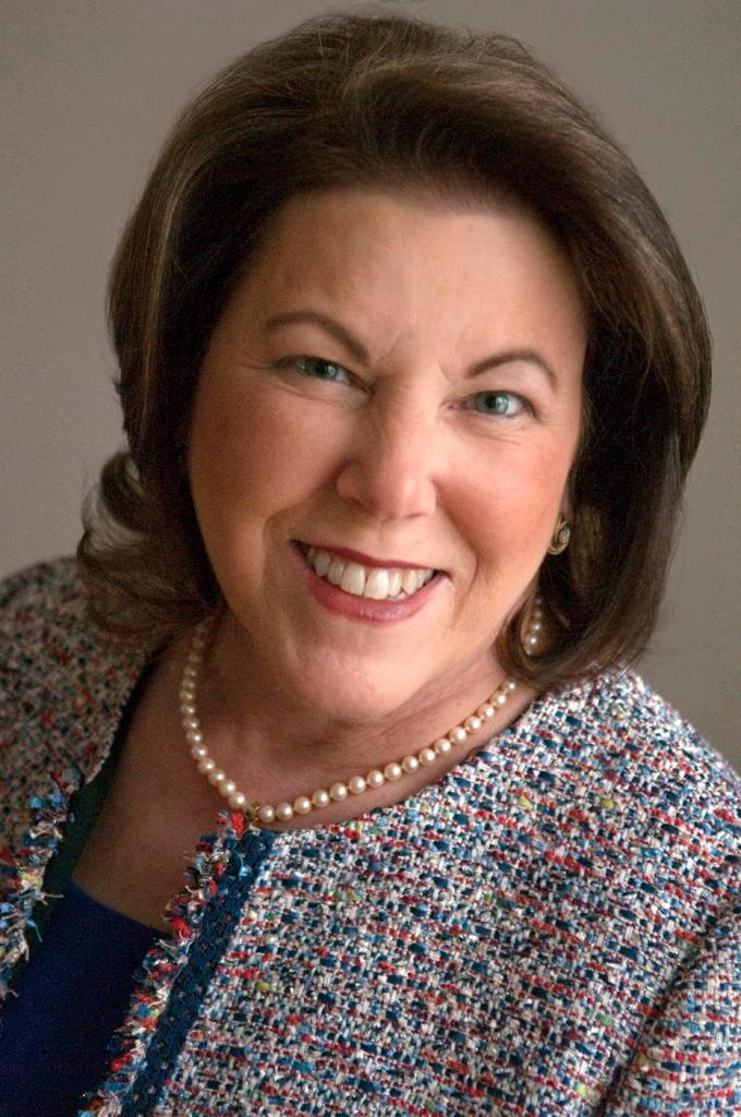 Donna Richardson Headshot | www.classictasselsandmore.com